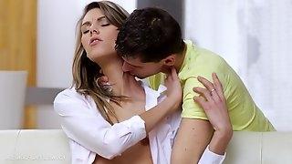 Nymphette Screams During Nice Sex - sindy vega