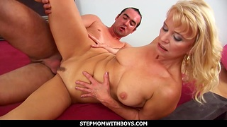 Mature old woman Doggystyle Fucked By Her Biyfriend