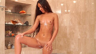 Sexy amateur Monica Brown loves labelling her pussy in the shower