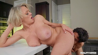 Busty MILF Dee Williams gets cum beside brashness after passionate fucking